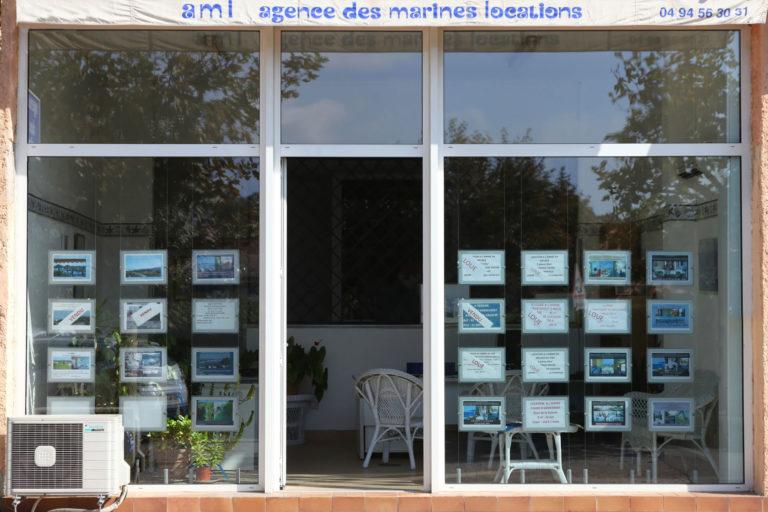 Rénovation d'une vitrine d'agence à Cogolin